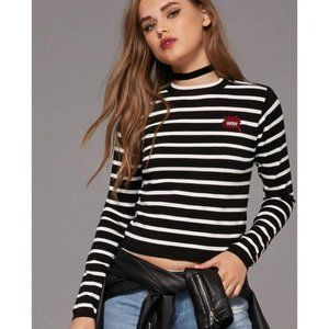 💖2/$25💖Forever 21 | graphic cropped sweater❤️💥
